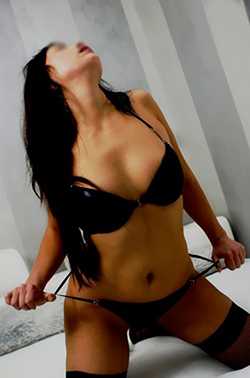 lingam erotic massage escorte private