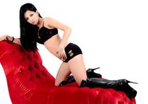 Sex Vermittlung mit dünnem Escort Girl aus Berlin