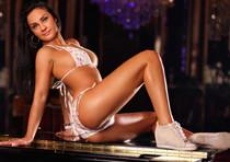 Gabie - Sexy Striptease dunkelhaarige Berlins Hostessen