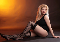Sonya - Junges Callgirl liebt Anal Poppen mit Männer