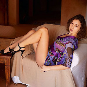 Chrissy Escortmodel bei Sex Escort Berlin Erotikportal wartet auf lustvolles kennenlernen bei intime Erotik Kontakte mit Rollenspiele Spezial